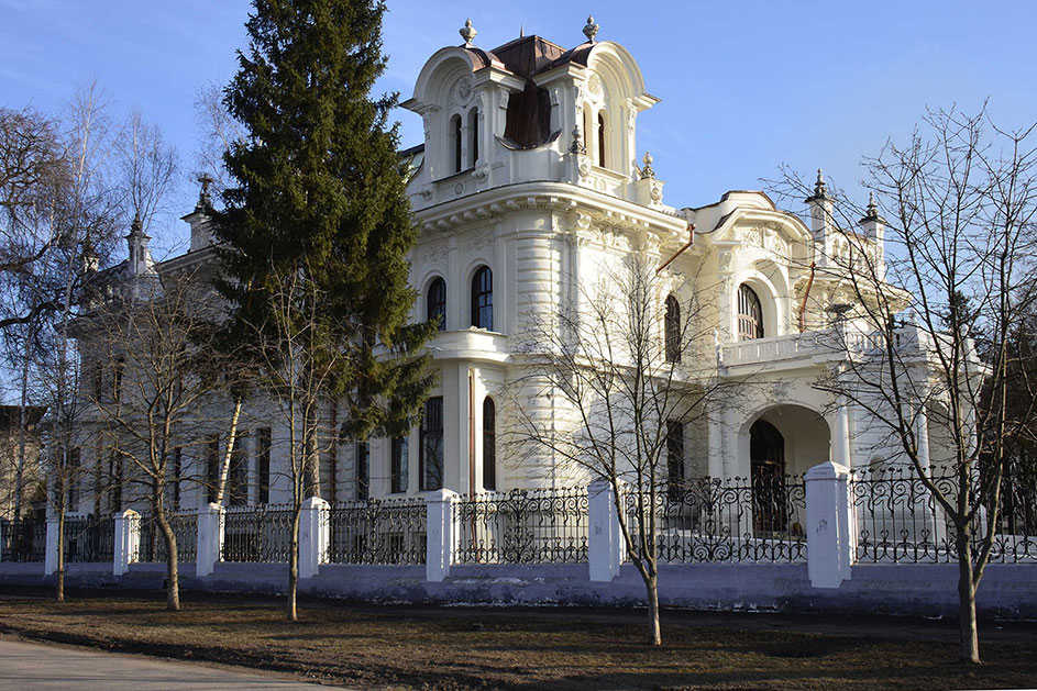 Dvorcovo-parkovyj ansambl' byvshej usad'by fabrikantov Aseevyh