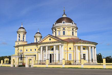 Cerkov'-Soshestviya-Svyatogo-Duha-selo-SHkin'